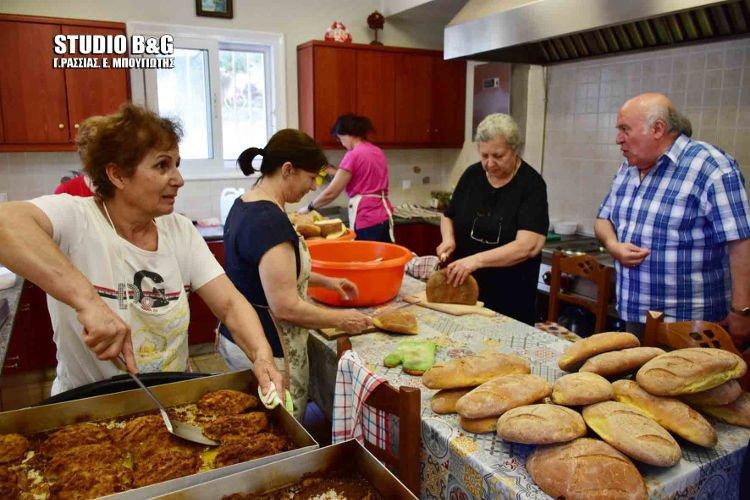 Εθελοντική εργασία μαθητών σε συσσίτιο Ι.Ν. Ευαγγελίστριας Ναυπλίου