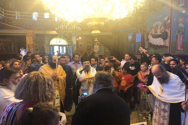 Ομαδική βάπτιση παιδιών Ρομά στην Ι.Μ. Πατρών