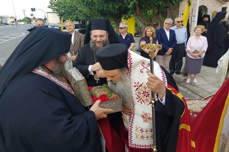 Υποδοχή Τιμίας Κάρας Αγίου Παρθενίου στα Τρίκαλα