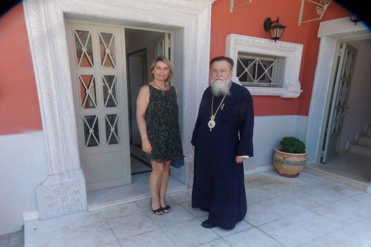 Επίσκεψη της Βουλευτού Παπακώστα στον Μητροπολίτη Κορίνθου