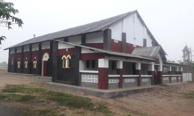 Μια όμορφη Εκκλησία στην Μπένα Λέκα του Κονγκό