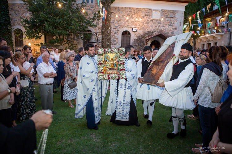Πλήθος κόσμου στη Μονή Ιερουσαλήμ Δαυλείας