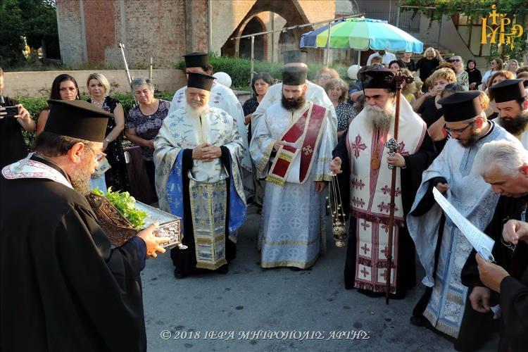 Λείψανα Αγίων Ραφαήλ Νικολάου και Ειρήνης στην Άρτα