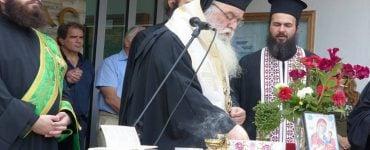 Καστοριάς Σεραφείμ: Η καθημερινή προσευχή ανοίγει την καρδιά μας