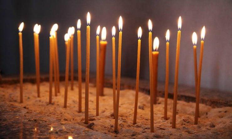 Γιατί δεν πρέπει να σβήνονται τα κεριά των Χριστιανών;