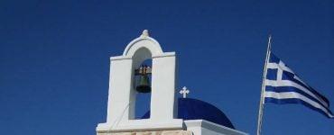 Η Εκκλησία περνά στο περιθώριο και στην ουδετερότητα