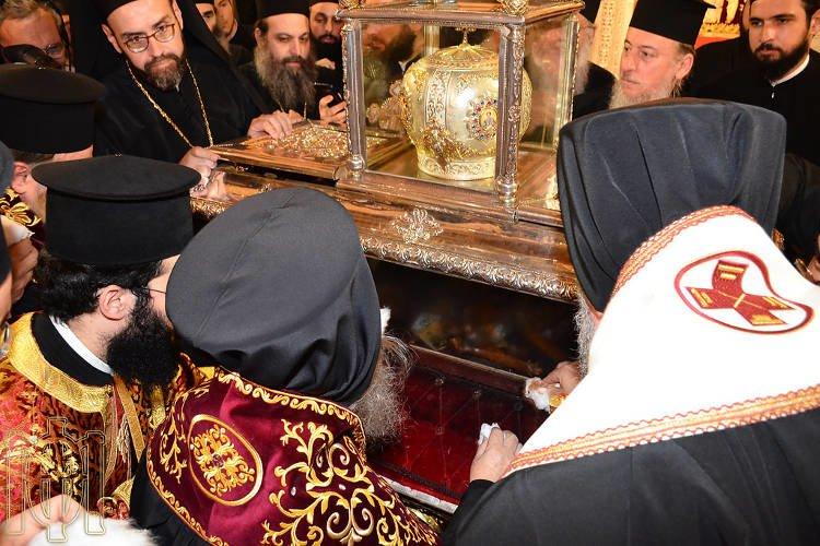 Το ζωντανό θαύμα του Μύρου Αγίου Δημητρίου στη Θεσσαλονίκη (ΦΩΤΟ)