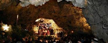 Χριστουγεννιάτικη Θεία Λειτουργία στο σπήλαιο Μαραθοκεφάλας