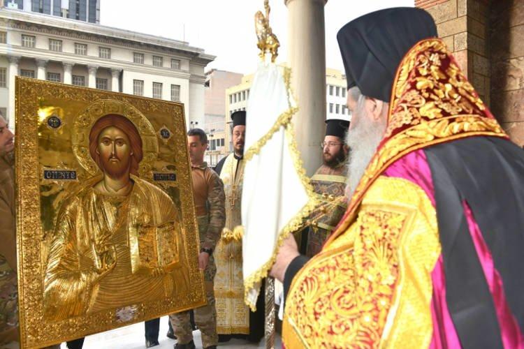 Ενθρονίστηκε η εικόνα του Χριστού Παντεπόπτου στον Πειραιά