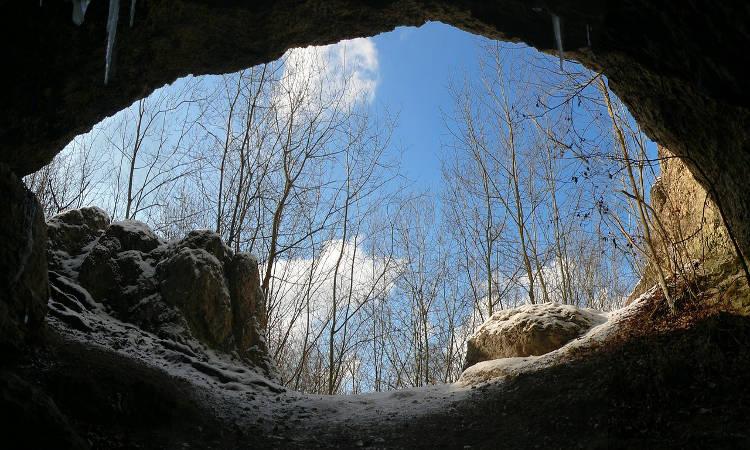 Χριστούγεννα στη σπηλιά