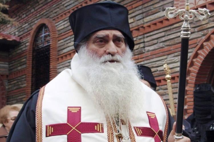 Λαϊκό Προσκύνημα το σκήνωμα του Σιατίστης Παύλου στη Χαλκίδα