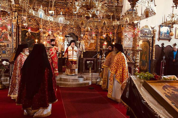 Κυδωνίας Δαμασκηνός: Ευλογία να ξεκινάει κανείς το νέο έτος με Θεία Λειτουργία