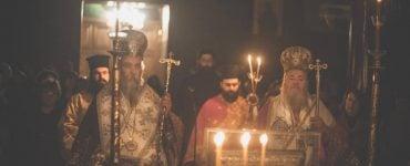 Αρχιερατική Νυχτερινή Θεία Λειτουργία στον Άγιο Χαράλαμπο Λενταριανών (ΦΩΤΟ)