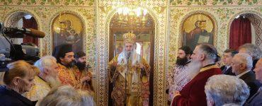 Ο Ναυπάκτου Ιερόθεος στον Άγιο Χαράλαμπο Πάτρας