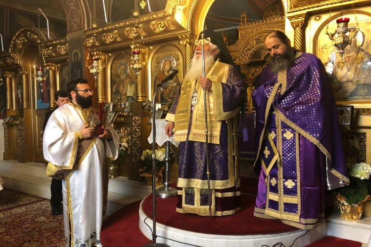 Προηγιασμένη Θεία Λειτουργία στη Μητρόπολη Θηβών