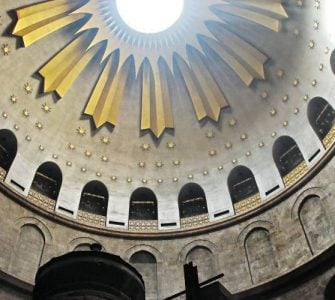 Live Αφή του Αγίου Φωτός στο Πατριαρχείο Ιεροσολύμων