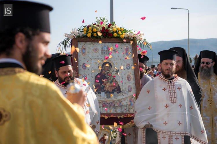 Αφίχθη στον Βόλο η Παναγία Φοβερά Προστασία από το Άγιον Όρος