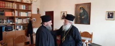 Ο νέος Επίσκοπος Ολβίας Επιφάνιος στον Φθιώτιδος Νικόλαο