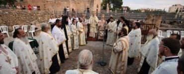 Εσπερινός στην στήλη του Αποστόλου Παύλου στην Κάτω Πάφο (ΦΩΤΟ)