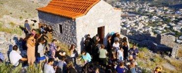 Παράκληση και Θεία Λειτουργία στην Κάλυμνο για τους μαθητές