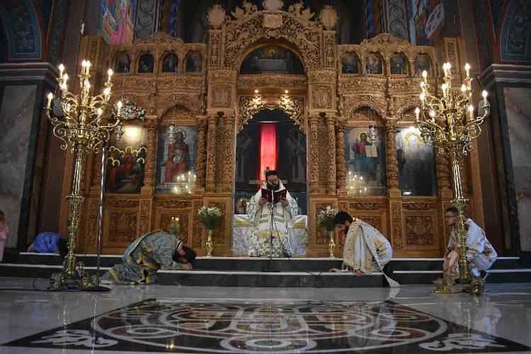 Η Εορτή της Πεντηκοστής στη Μητρόπολη Μαρωνείας (ΦΩΤΟ)