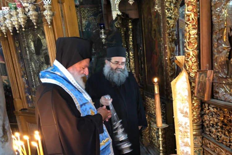 Τρισάγιο στον Θεσσαλονίκης κυρό Παντελεήμονα Β' στη Μονή Ιβήρων Αγίου Όρους