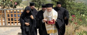 Την Τίμια Κάρα της Οσίας Υπομονής υποδέχτηκε η Μονή Χρυσοπηγής