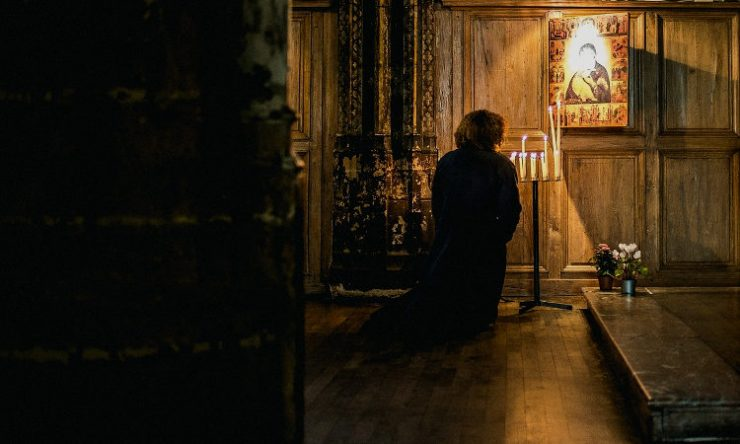 Αγρυπνία με Επιτάφιο και Εγκώμια στην Θεοτόκο στην Καλογραίζα