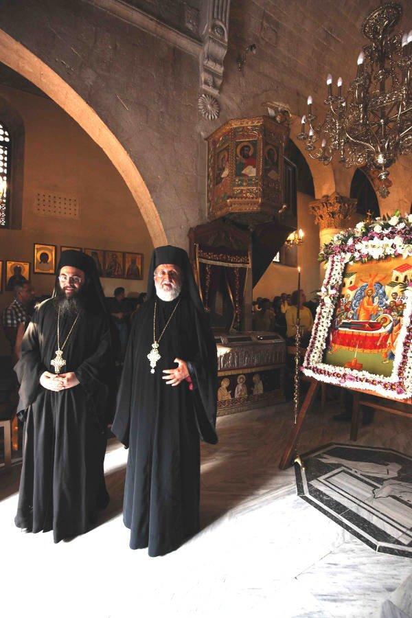 Με λαμπρότητα ο Εσπερινός της Παναγίας στη Μονή Αγίου Νεοφύτου Πάφου(ΦΩΤΟ)
