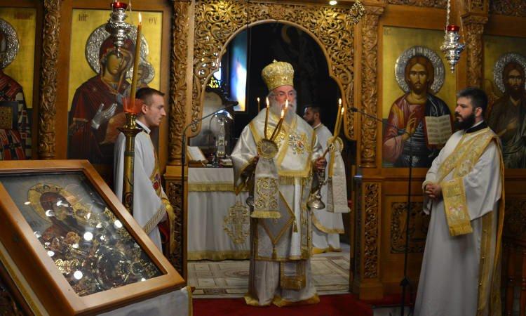 Αρχιερατική Θεία Λειτουργία στον Άγιο Νικόλαο Ελευθερουπόλεως (ΦΩΤΟ)
