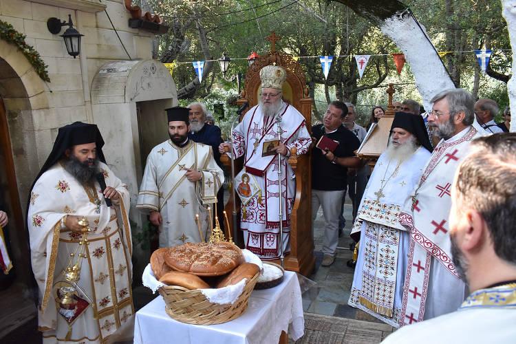 Η Εορτή του Αγίου Φανουρίου στα Χανιά (ΦΩΤΟ)