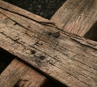 Πως φτιάχτηκε ο Τίμιος Σταυρός και τι συμβολίζει;