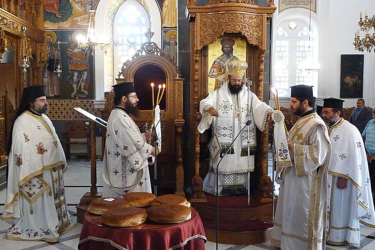 Εορτή Αγίου Διονυσίου του Αρεοπαγίτου στη Μητρόπολη Πέτρας