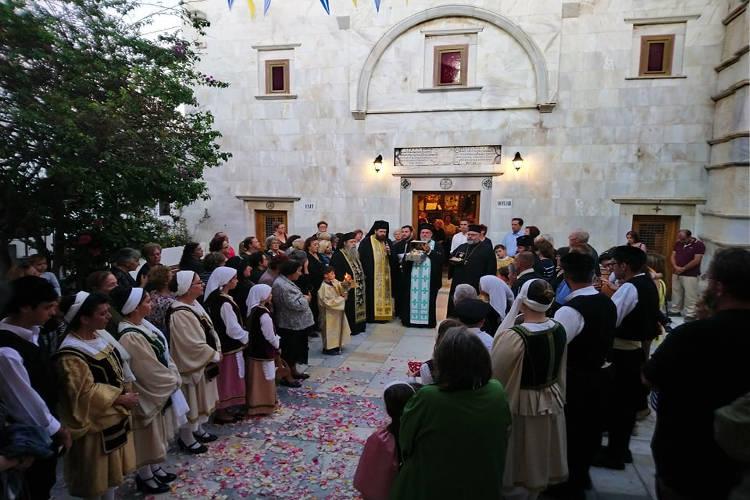 Λαμπρή Υποδοχή Τιμίας Κάρας Οσίου Δαβίδ Ευβοίας στην Παναγία Τουρλιανή