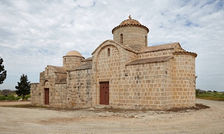 Θεία Λειτουργία στο εξωκλήσι Αγίου Γεωργίου Χορτακίων στη Σωτήρα Κύπρου