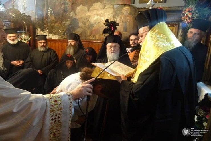 Ρασοφορία μοναχής της Μονής Παναγίας Κορυφής Καμαρίου
