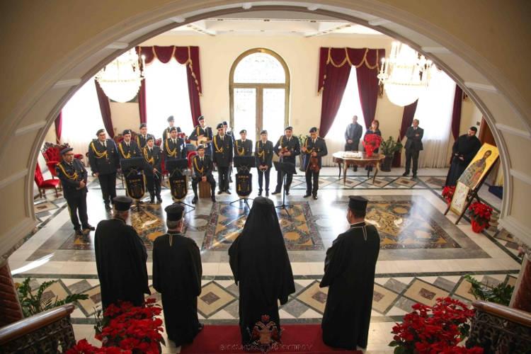 Πρωτοχρονιάτικα κάλαντα στον Αρχιεπίσκοπο Κύπρου (ΦΩΤΟ)
