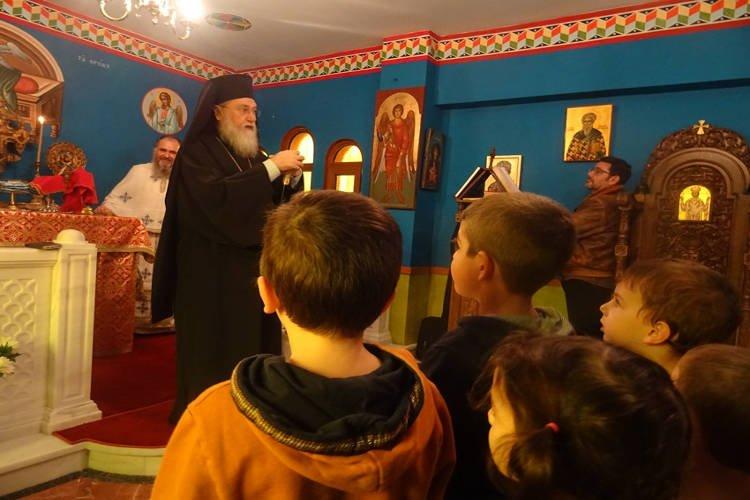 Θεία Λειτουργία για τα παιδιά των Εκπαιδευτηρίων της Μητροπόλεως Κορίνθου