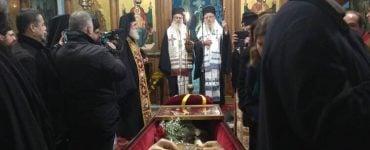 Η ταφή του μακαριστού Μητροπολίτου Αχελώου Ευθυμίου στο Αγρίνιο (ΦΩΤΟ)