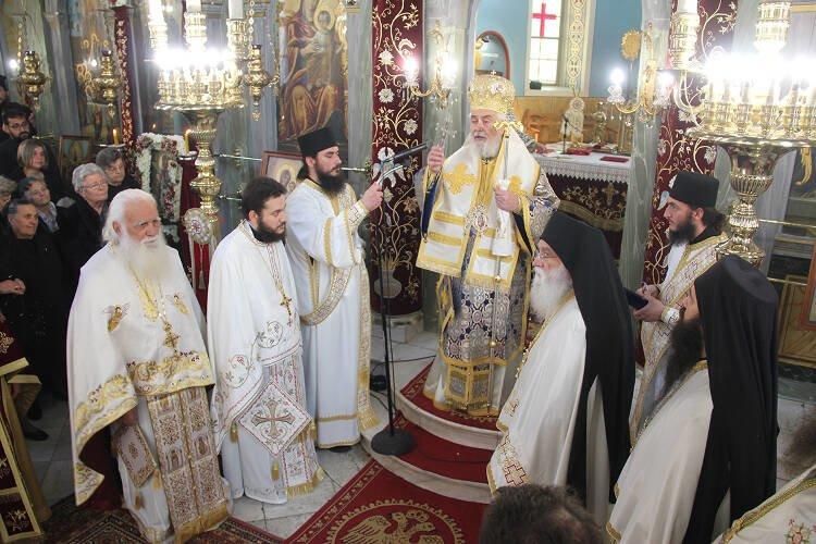 Χειροτονία πρεσβυτέρου επί τη εορτή του Αγίου Νικολάου στην Μητρόπολη Φωκίδος (ΦΩΤΟ)