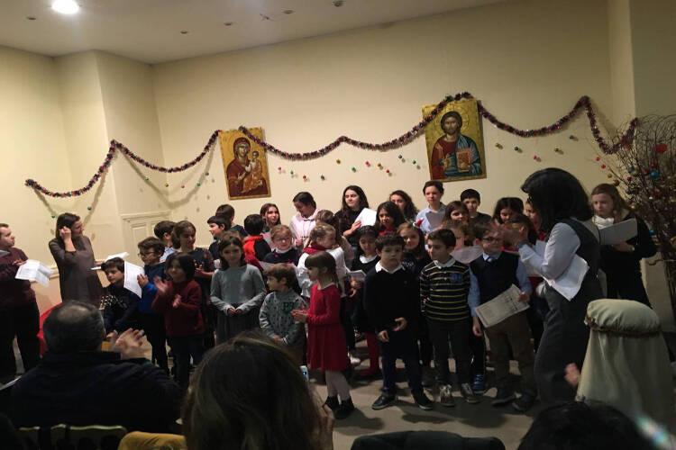 Χριστουγεννιάτικη εορτή του ελληνικού σχολείου Αγίου Στεφάνου Παρισίων (ΦΩΤΟ)