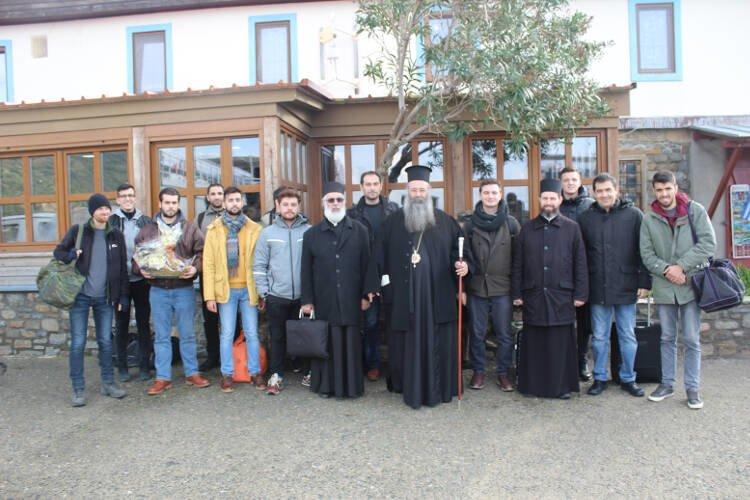 Φοιτητές της Εκκλησιαστικής Ακαδημίας Θεσσαλονίκης στο Άγιον Όρος (ΦΩΤΟ)