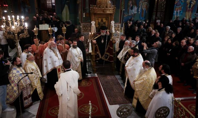 Αρχιεπίσκοπος: Οι Τρεις Ιεράρχες είναι η ανακεφαλαίωση της διδασκαλίας της πίστεως μας