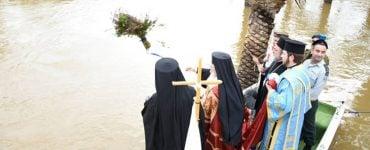 Παραμονή των Θεοφανείων στον Ιορδάνη ποταμό
