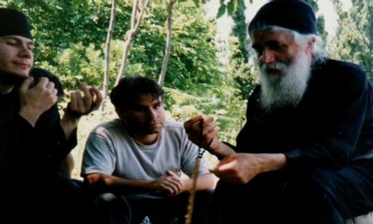 Άγιος Παΐσιος: Οι ιερές εικόνες βοηθούν στην προσευχή