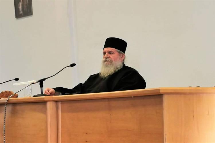 Καθηγούμενος Μονής Αγίου Διονυσίου εν Ολύμπω: Πως πρέπει να ενεργεί ο πνευματικός