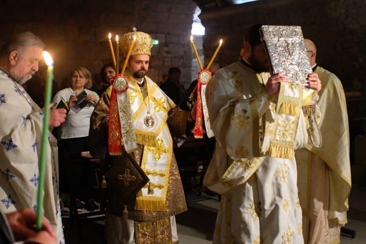 Θεία Λειτουργία στην Κρύπτη του Αγίου Βίκτωρος Μασσαλίας