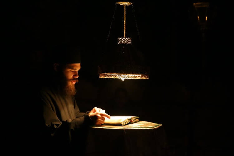 Ο Μητροπολίτης Θεσσαλιώτιδος στη Μονή Οσίου Ξενοφώντος Αγίου Όρους (ΦΩΤΟ)