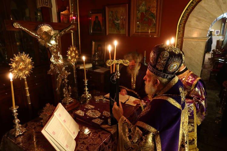 Πρώτη Εσπερινή Προηγιασμένη Λειτουργία στην Ερμούπολη