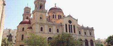 Καθημερινές ακολουθίες σε Ναούς της Κρήτης